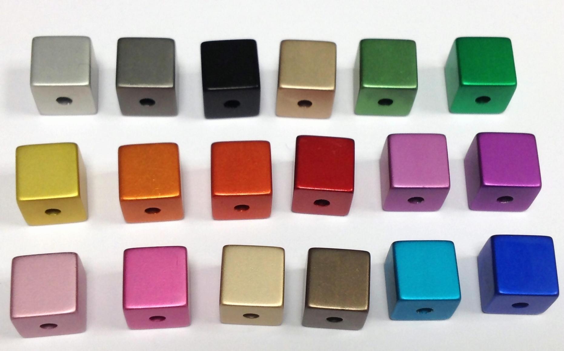 aluminium w rfel eloxiert 8x8mm 18 st ck in verschiedenen farben bunt mehrfarbig weitere. Black Bedroom Furniture Sets. Home Design Ideas